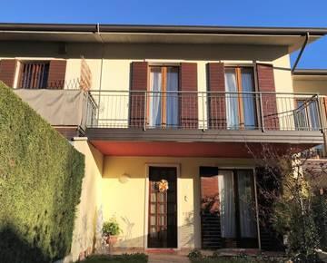 Villa a schiera centrale Residenziali in vendita