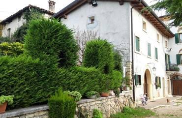 Casa Valpolicella agenzia immobiliare Negrar - Rustico Angolare Residenziali in vendita